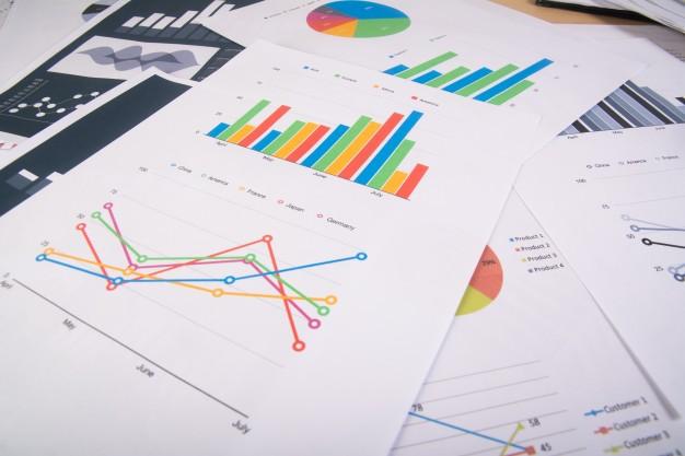 reporte-negocios-graficos-graficos-informes-negocios-monton-documentos-concepto-negocio_1150-2254